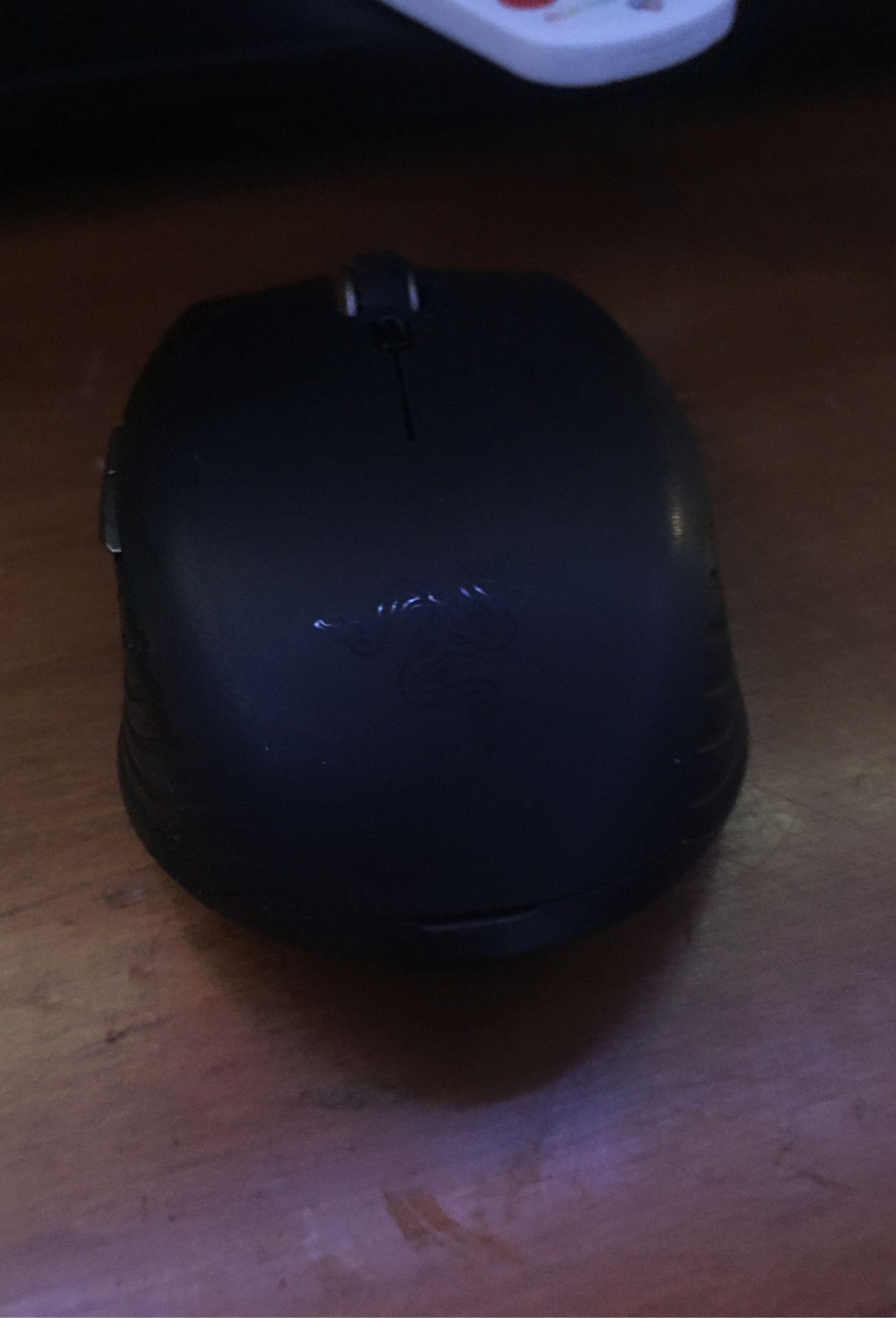 Blackweb keyboard with, Logitech mouse and razor mouse