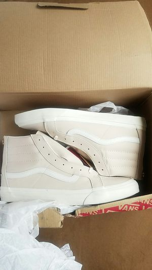 Vans sk8 slim zip leather for Sale in Scottsdale, AZ