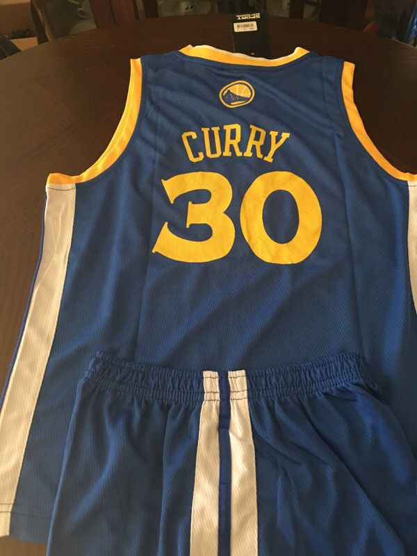 brand new 288c3 62f96 GSW Stephen Curry #30 youth jersey with short for Sale in Hayward, CA -  OfferUp