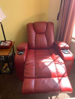 Leather recliner Thumbnail