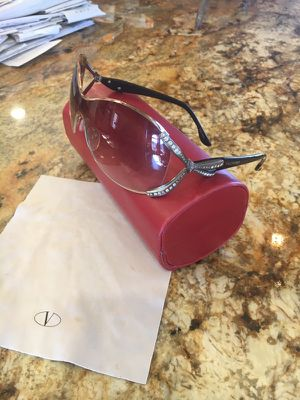 Authentic Valentino sunglasses for Sale in Aldie, VA