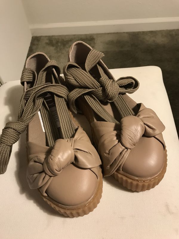 huge discount b46ce e9c7e Puma Fenty By Rihanna Women Bow Creeper Sandal 6.5 for Sale in Davis, CA -  OfferUp
