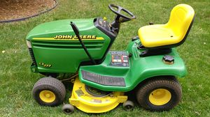 John Deere LX277 Riding Lawn Mower for Sale in Herndon, VA