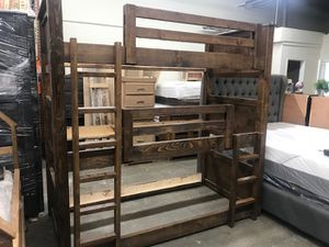 Photo SOLID WOOD TRIPLE TWIN BUNK BED (MATTRESS INCLUDED)