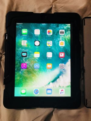 Apple Ipad 16gb Wifi - Cellular with keyboard for Sale in Kissimmee, FL