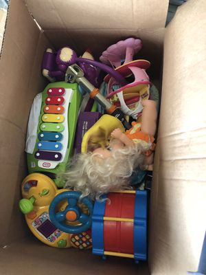 Lot of Used toys vintage $15 per box 500 boxes available for Sale in Fresno, CA