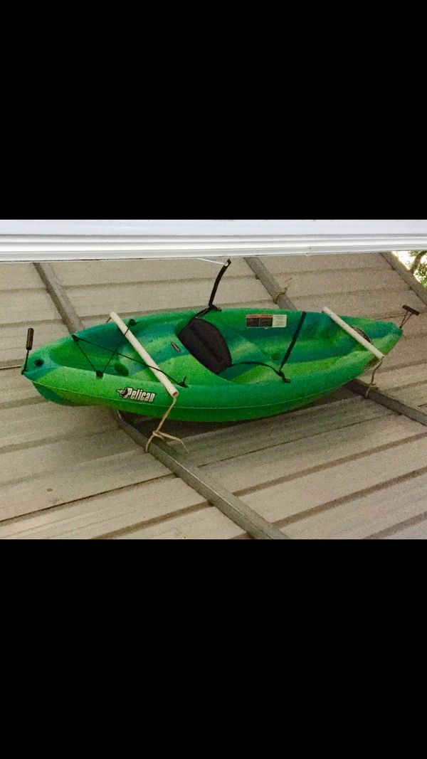 8ft pelican kayak with paddle  140 obo for Sale in Hartwell, GA - OfferUp
