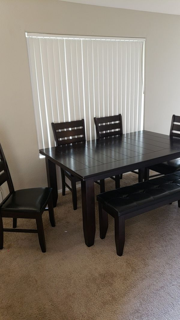 Table With 4 Chairs And Bench For Sale In Henderson Nv Offerup