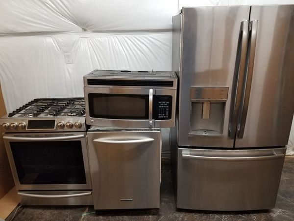 Nice Kitchen Set 1 200 Delivery Available For Sale In