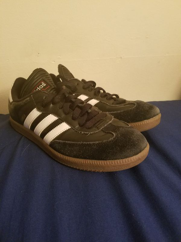 3d0f43c24 Adidas sambas indoor soccer shoes for Sale in Bolingbrook
