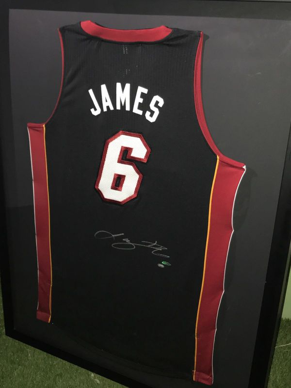 4b03c6078 Lebron James Upper Deck Autographed Jersey for Sale in Miami