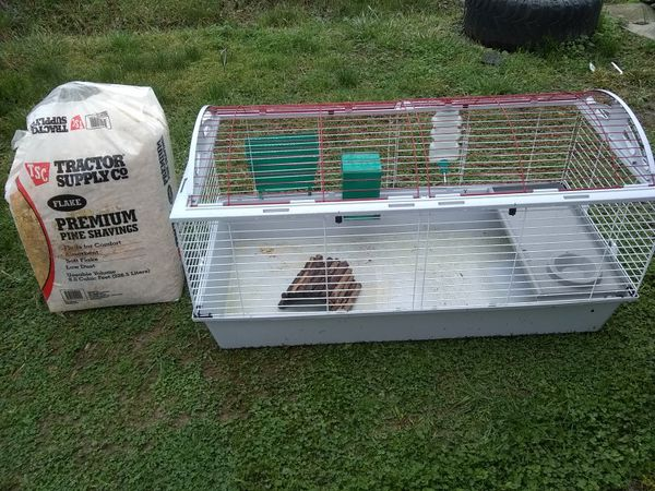 Pet cage and bag of pine shavings for Sale in Tullahoma, TN - OfferUp