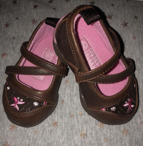 64dc5e27583b Baby Girl Soft Sole Walking Shoes Size 2 for Sale in Carrollton