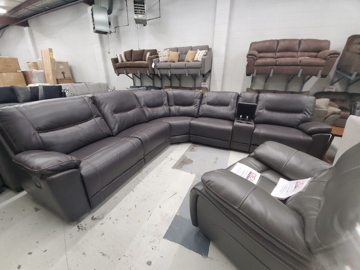 Large oversized reclining sectional NEW