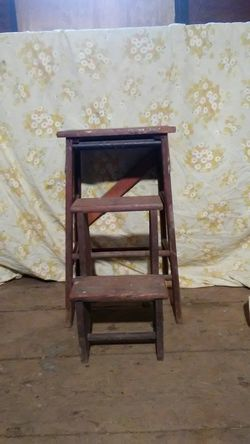 Old wooden step stool Thumbnail