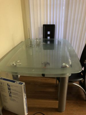 Glass Dining table very solid. 40x 60. Great buy. Move. And must go NOW! for Sale in FAIRMOUNT HGT, MD