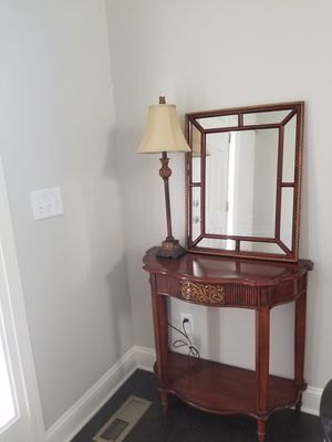 Foyer table with mirror and lamp for Sale in Aldie, VA