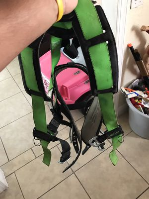 Size large construction harness for Sale in Miami, FL