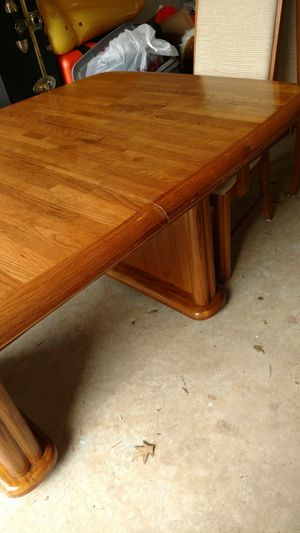 Solid Dinning room table 2 chairs great condition for Sale in Manassas, VA