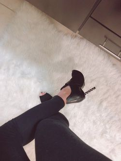Must wanted Schutz shoes! Size 6. Those shoes are eye catcher! Thumbnail