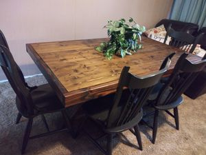 Photo Hand made rustic dining table+ 4 chairs and bench