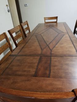 Dining table $700 obo Thumbnail
