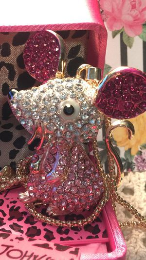 Photo Betsey Johnson 3 D Rhinestone pink animated Mouse..so cute 4 ' high on Alloy 18 inch gold chain gift box