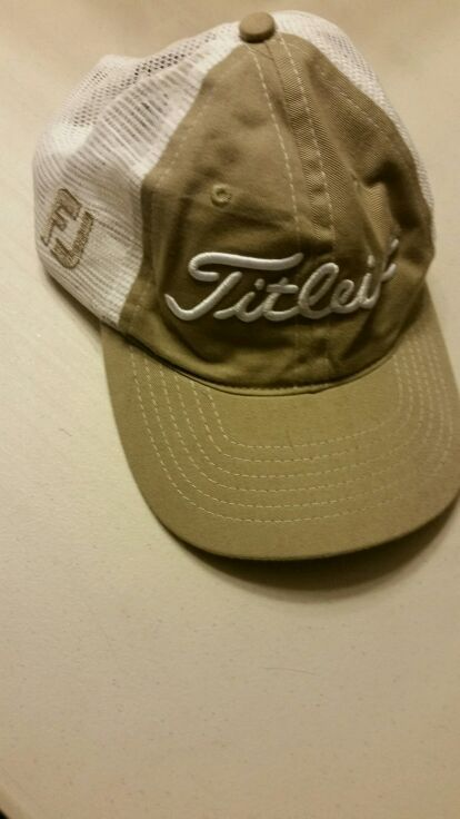 a06a14ac03f Titleist adj. Golf hat. (Clothing   Shoes) in Tacoma