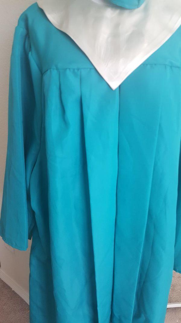 Jostens Cap and gown in teal. for Sale in Murrieta, CA - OfferUp