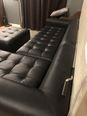 Photo Leather sectional couch