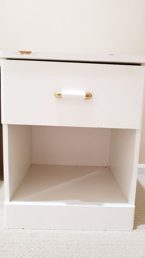 Night stand free for Sale in Redmond, WA