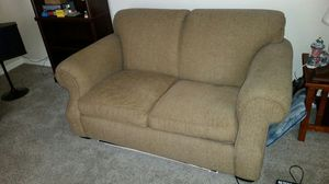 """Loveseat Light Brown Cloth """"Clean"""" for Sale in Orlando, FL"""