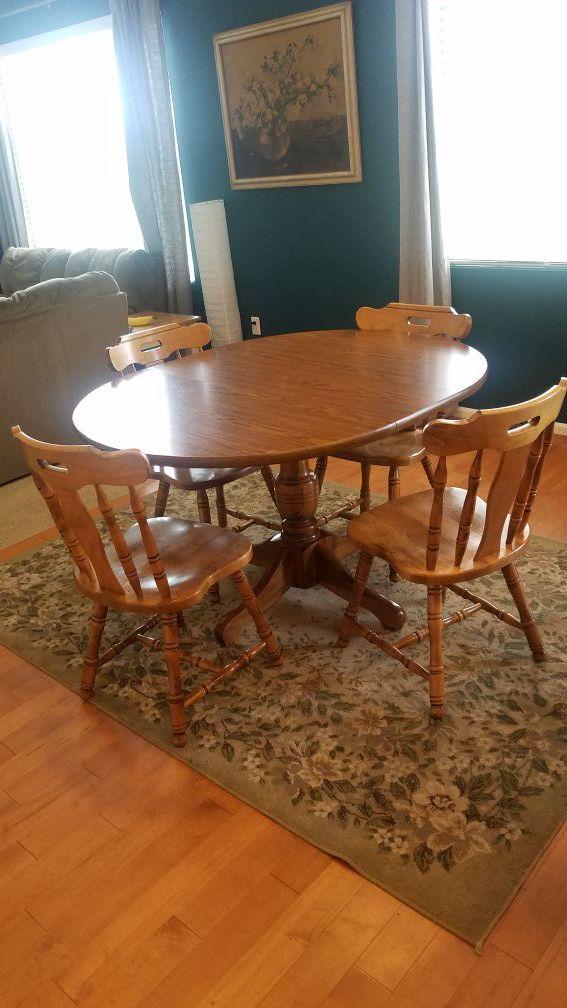 Wabash Round Oval Pedestal Table