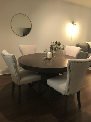 Dining Table w/extension and 4 chairs for Sale in Washington, DC
