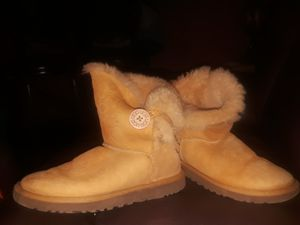 Tan UGGS Boots for Sale in Tampa, FL