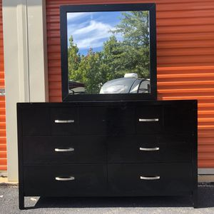 Long Dresser for Sale in Woodbridge, VA