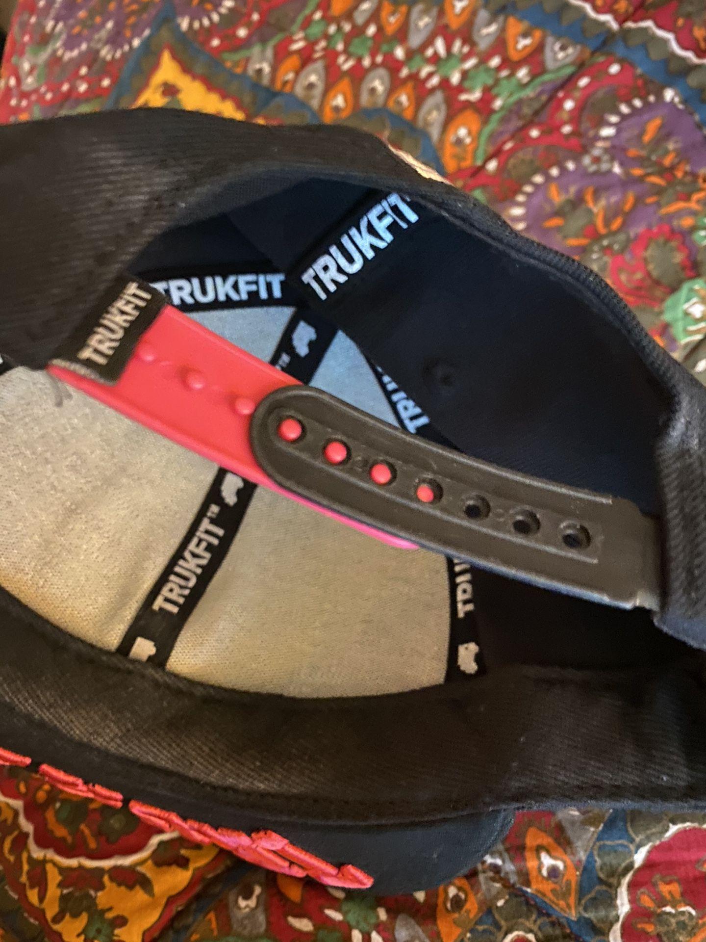 Trukfit hat feeling spacey pink n black brand new