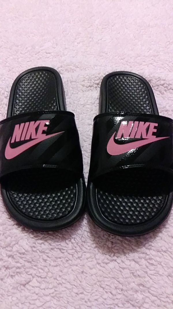 68084df7205c5 Nike Slides 9 for Sale in Tacoma