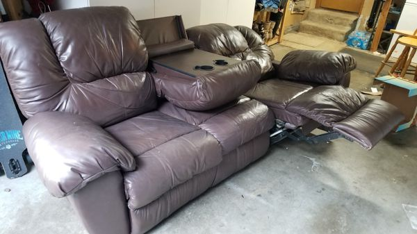 Dual recliner leather sofa. for Sale in Auburn, WA - OfferUp
