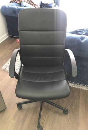 Desk Chair with wheels for Sale in Laurel, MD