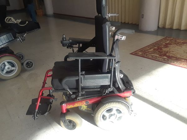SD 300 INVACARE POWER WHEELCHAIR for Sale in Overland Park, KS - OfferUp