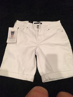 Calvin Klein Jean shorts brand new size 8 Thumbnail