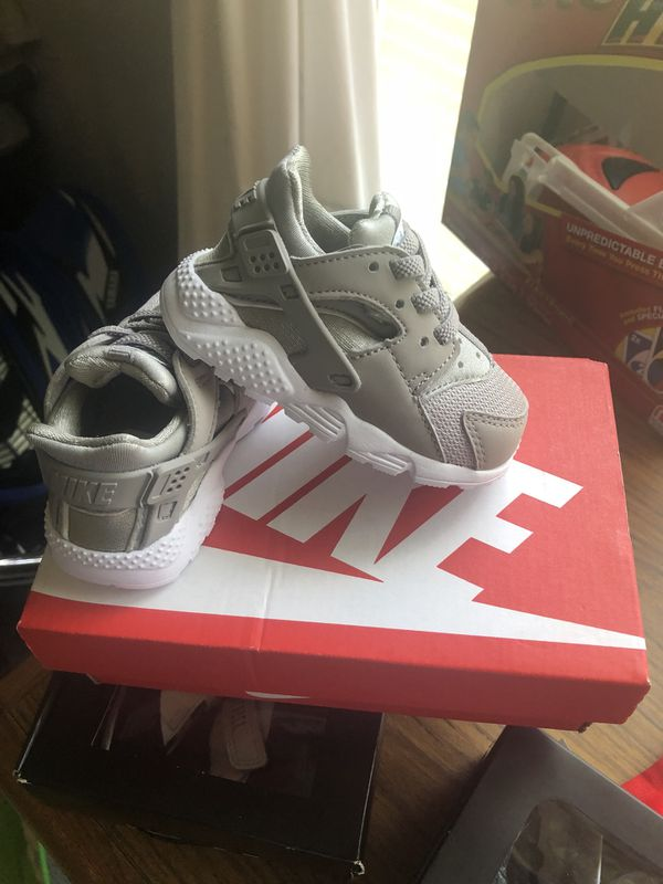 31ecbbbd59b2 Infant Nike Huaraches ( size 4 c ) for Sale in Snow Hill