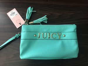Brand new juicy couture wristlet wallet(pick up only) for Sale in Springfield, VA