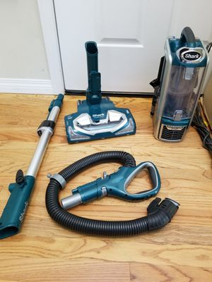 NEW cond shark Rotator vacuum with complete attachments, amazing suction , high quality, amazing suction, in the box, MAKE it BEST OFFER for Sale in Federal Way, WA