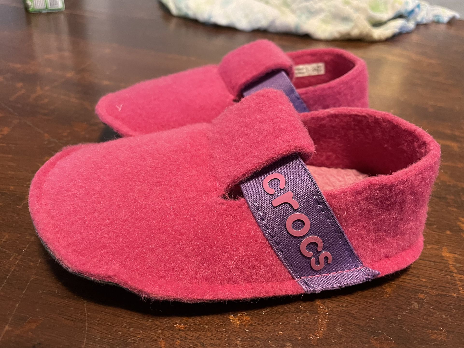 Pink Crocs Slippers Toddler (size 8)