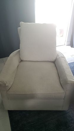 Big living room chair with leg rest Thumbnail