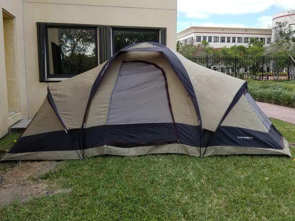 quality design 5fa84 3998e Mountaineer Dome tent for Sale in Miami, FL - OfferUp
