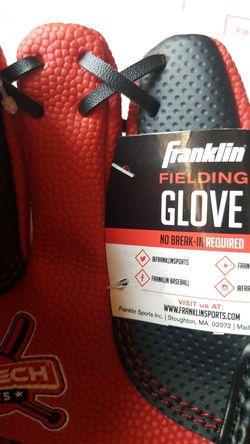 """Franklin 8.5"""" Teeball Fielding Glove Air Tech Sports Thumbnail"""