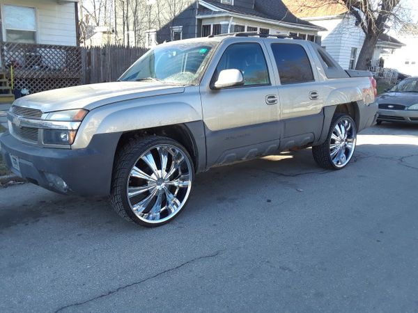 2003 Chevy Avalanche With 28s 4x4 For Sale In Mishawaka In Offerup